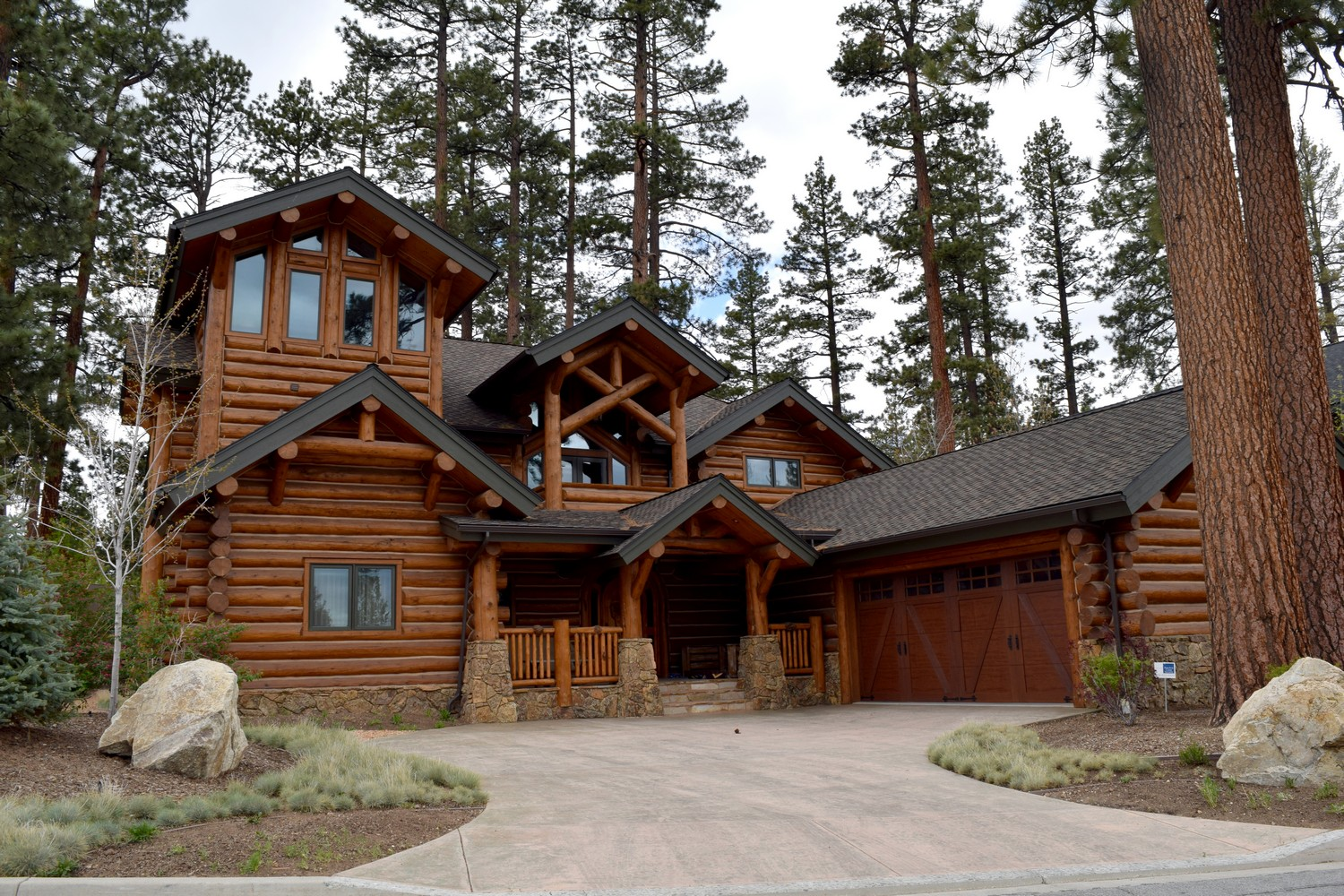 Luxury and location in big bear lake destination big bear for Usmc big bear cabins