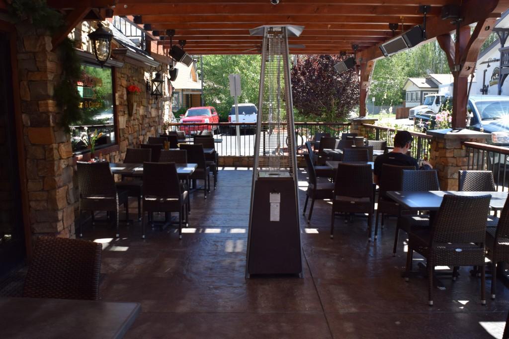 El Jacalito patio dining in Big Bear