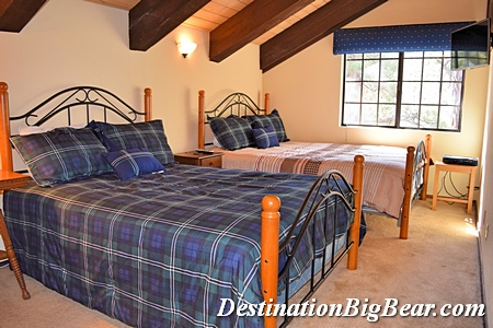 Loft bedroom in big bear lake cabin rental