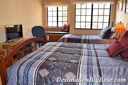 Vacation rental in Big Bear lake bedroom