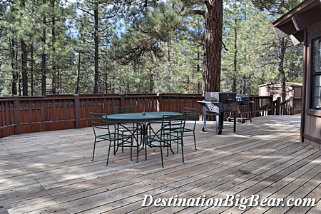barbeque at cabin rental in Big Bear Lake