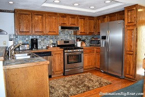 Big Bear Lake cabin rental kitchen