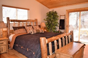 Log furnishings in Big Bear Lake cabin rentals