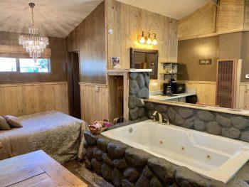 Big Bear Cabin- Honeymoon Cottage