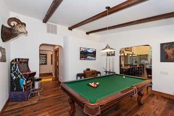 Big Bear Cabin- Geronimo Lodge- Game room