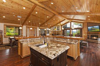 Big Bear Cabin- Grand Views- Kitchen