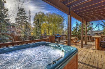 Big Bear Cabin- Moose Mountain- Hot Tub