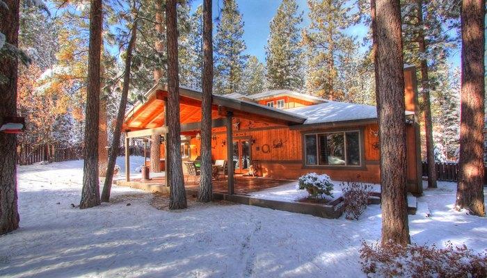 Big bear cabins big bear cabin rentals for Big bear luxury cabin